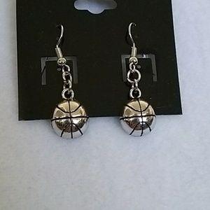 NWOT Silver basketball hook earrings
